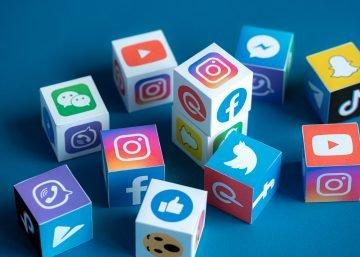 Corporate social media   See Media blog